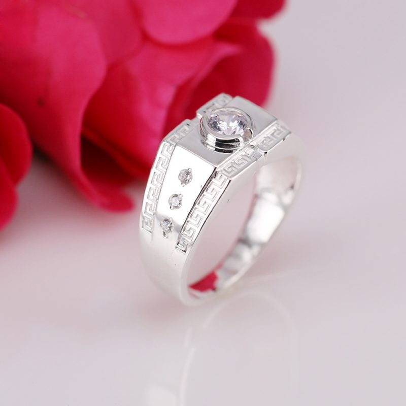 nhẫn bạc 925 giá bao nhiêu?