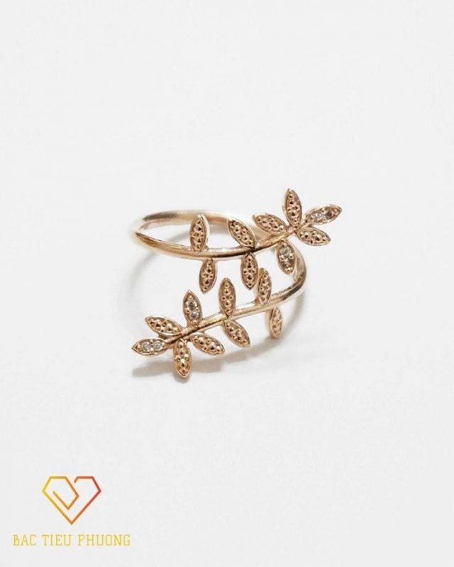 Nhẫn chiếc lá nguyệt quế tinh tế dành cho phụ nữ tinh tế