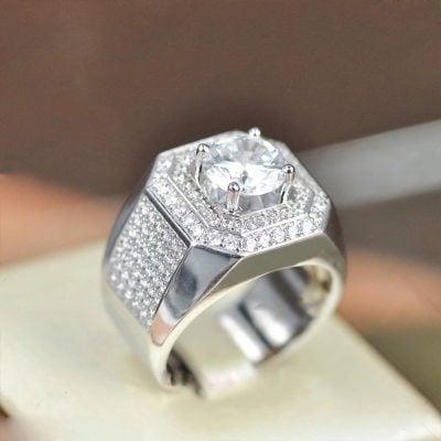 Nhẫn bạc nam kim cương nhân tạo sử dụng bạc cao cấp 925 mang tới độ trắng sáng cao độ