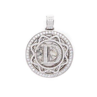 Mặt dây chữ D độc đáo dành cho nam giới. Thích hợp với các bạn nam tên Duy, Dũng, Duân, Dương...