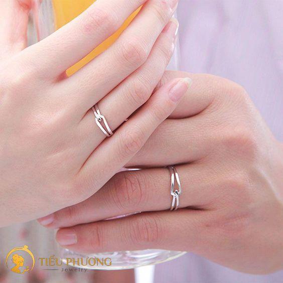 có nên đeo nhẫn đôi vàng hay không