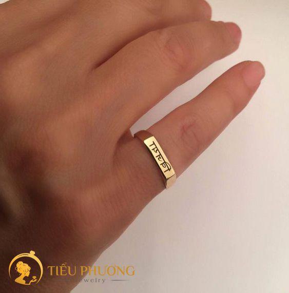 Nam giới đeo nhẫn ngón út có ý nghĩa sự khác biệt, cá tính.