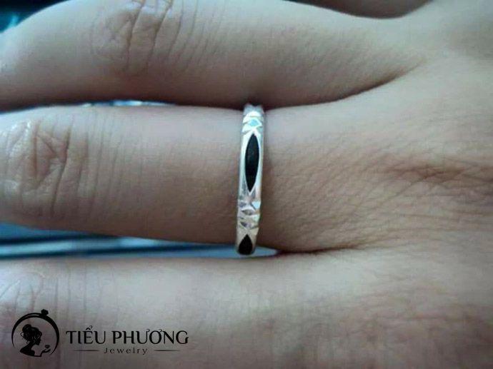nhẫn lông voi đeo ngón nào có thực sự quan trọng?