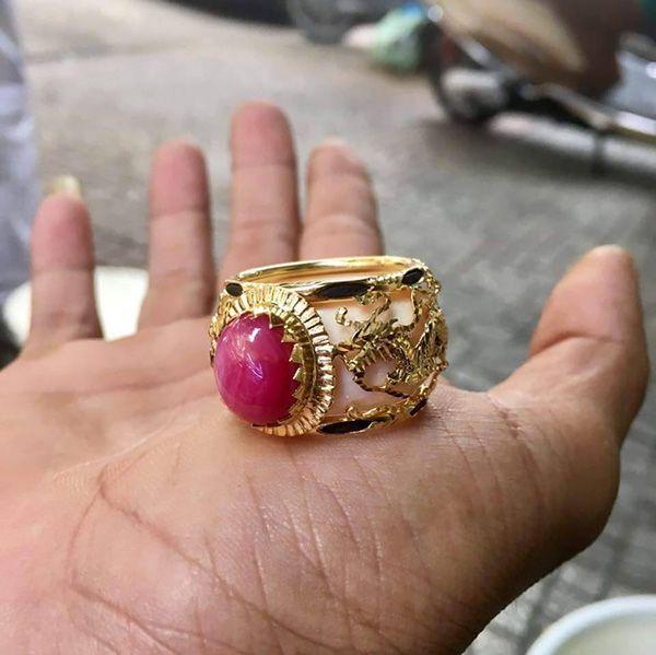 kiểu nhẫn lông voi ruby vàng 18k