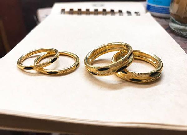 kiểu nhẫn cặp lông voi vàng