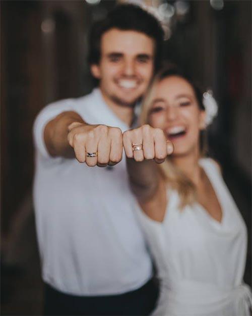 Nên đeo mang nhẫn cưới tay nào là chuẩn? Nam bên trái nữ phải có chính xác hay không?